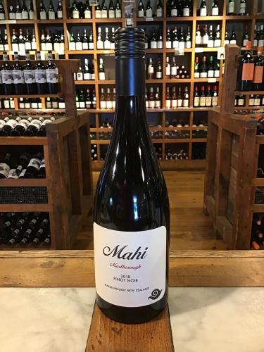 Mahi Wines Pinot Noir 2018